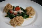 Spaghetti integrale cu leurda si rosii
